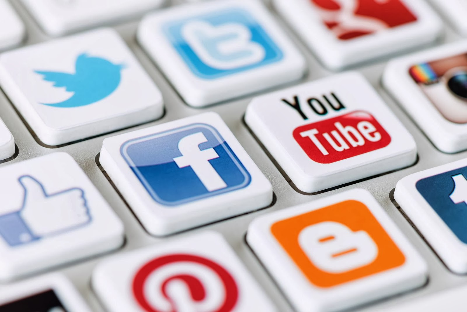 Use Social Media To Generate Leads